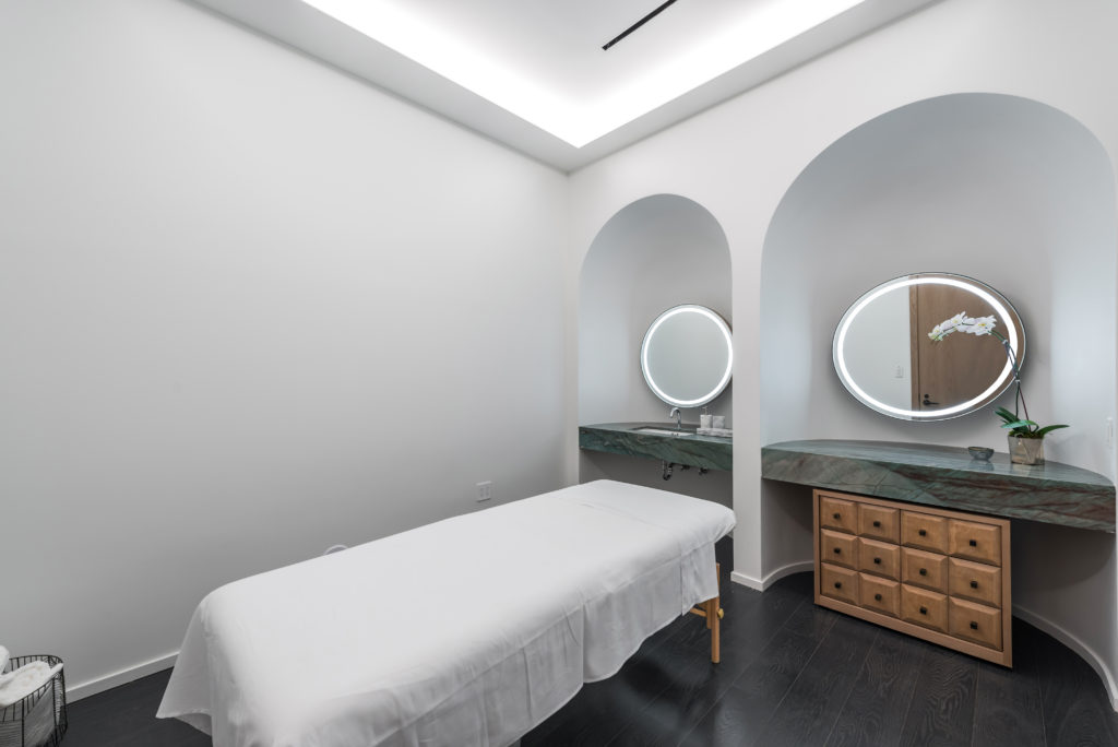 SLS LUX Massage Room