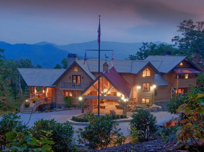LEED Certified log structure executive retreat